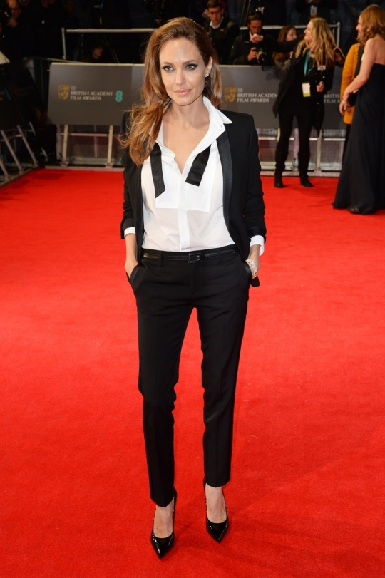 2-best-dressed-bafta-angelina-jolie_181019972419.jpg_gallery_max